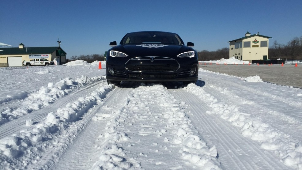 Tesla Model S P85D lauded by Consumer Reports, 'breaks