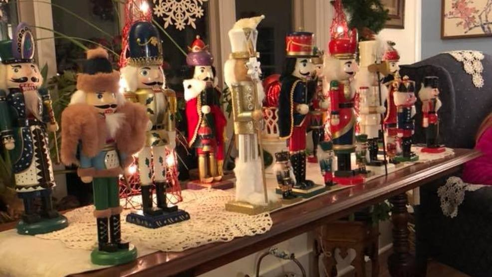 GALLERY: Check out these Christmas decorations inside a Syracuse home