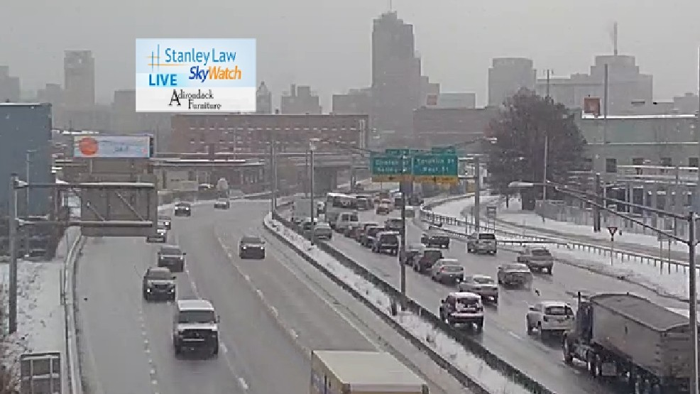 Accident cleared, traffic on I-81 south in downtown Syracuse