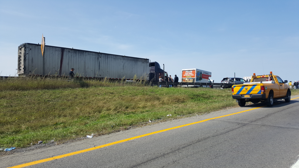 Accident in Nedrow briefly shuts down portion of I-81 northbound   WSTM